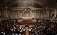 Парламент Португалии отправил правительство в отставку через 11 дней после назначения