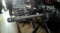 Турчинов показал журналистам новое оружие для полицейского спецназа