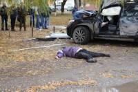 На Хмельнитчине неуправляемый джип влетел в остановку. Погибли три женщины