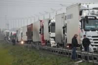 Дагестанские дальнобойщики готовы маршем двинуть на Москву. В кремле решили не вмешиваться