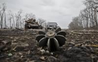 На Бахмутской трассе и возле Станицы Луганской на минах подорвались наши военные. Есть погибшие