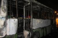 В Полтаве неизвестная женщина бросила коктейль Молотова в автобусе. Все сгорело еще до приезда пожарных