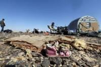 Бомба на борту А321 была спрятана под сиденьями 15-летней девочки и 77-летней женщины /СМИ/