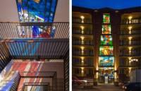 В Амстердаме на здании появились невероятные витражи. Прям как в старые добрые времена, но с подсветкой