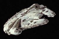 Американский астрофизик долго размышлял и пришел к выводу, что космический корабль в «Звездном пути» круче, чем в «Звездных войнах»