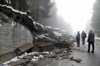 На Сеневирском перевале в Карпатах обвалилась подпорная стена
