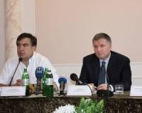 Аваков и Саакашвили крепко повздорили на Совете реформ. Министр плеснул главе Одесской ОГА водой в лицо