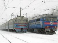 Пассажиры львовских электричек блокируют поезда, чтобы... разблокировать их