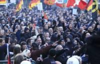 Итоги беспорядков в Кельне: ранены трое полицейских, в ход пошли водометы