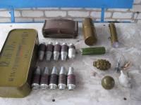 В Счастье в заминированном доме обнаружен схрон с боеприпасами