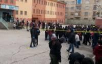 В Турции рядом со школой произошел взрыв. Есть жертвы