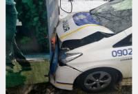 В Харькове полицейская «Тойота» страстно поцеловала троллейбус