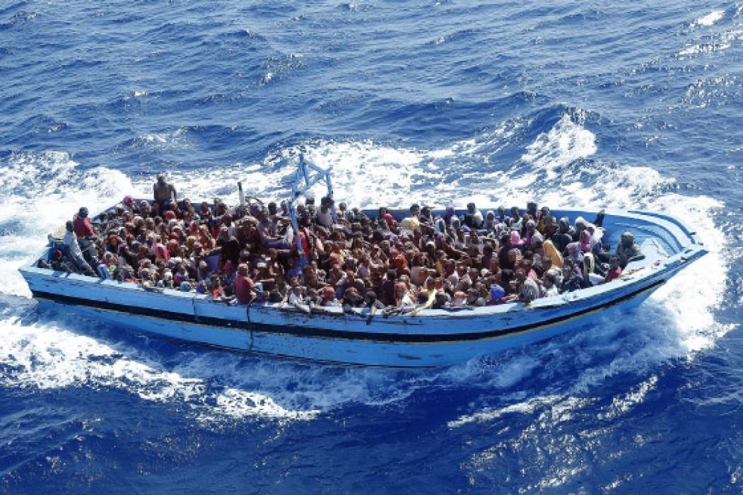 В Средиземном море разом утонули более 400 мигрантов – СМИ