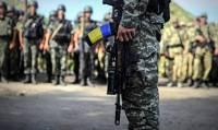 Полторак подписал приказ о существенном повышении зарплат военным