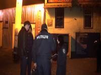 В Киеве ночью из гранатомета обстреляли СТО. Фото и видео с места событий