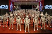 «Звездные войны» собрали уже 2 млрд долларов