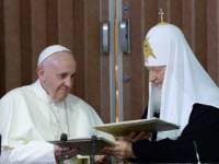Папа Римский и патриарх Кирилл не только встретились впервые в истории, но и подписали совместный документ. И сделали кое-что еще