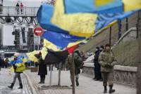 Активисты, которые чтят память Героев Небесной Сотни, решили переночевать на Майдане