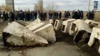 На Николаевщине местные жители перекрыли трассу на Днепропетровск, требуя ремонта дороги