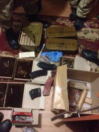 На Житомирщине разоблачили банду, которая сбывала наркотики и оружие из зоны АТО