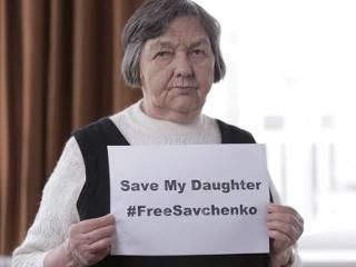Мать Савченко просит мир о помощи. Сама Надежда утверждает, что выйдет на свободу только на своих условиях