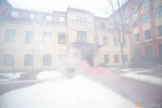Агрессивные молодчики атаковали консульство Украины в Санкт-Петербурге