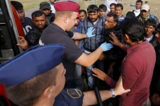 Венгрия из-за беженцев объявила кризисную ситуацию на всей территории