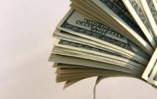 Доллар медленно, но уверенно падает