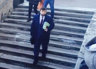 Главаря боевиков Пушилина заметили на выходе из АП Путина