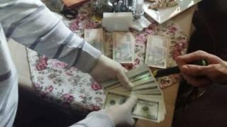 Директор госпредприятия на Киевщине попался на крупной взятке