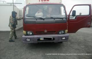 На Донетчине задержали грузовик, который вез боевикам 10 банкоматов