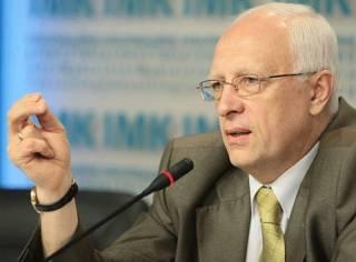 Ради сохранения своего кресла Яценюк готов воплощать в жизнь самые неадекватные инициативы /Соскин/