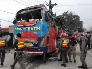 В Пакистане подорвали автобус с чиновниками. Погибли 15 человек
