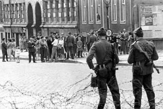 Западных фармацевтов уличили в испытаниях своих препаратов на жителях ГДР