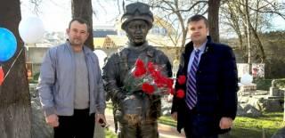 В Бахчисарае появился памятник «вежливым людям»