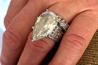 Американец выбросил в утиль обручальное кольцо за 400 тысяч долларов