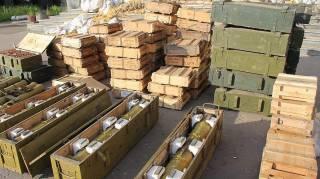 Россия прислала боевикам на Донбасс БТРы и боеприпасы