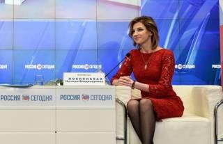 Оккупационный прокурор Крыма так обрадовалась, что он все еще российский, что решила сменить гардероб