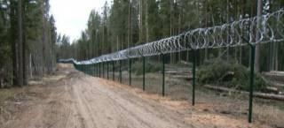 Латвия построила первый отрезок «стены» на границе с Россией