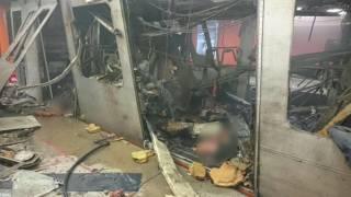 Мощный взрыв полностью раскурочил вагон брюссельского метро. У находившихся там не было шансов