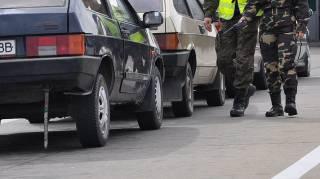На западных границах Украины в очередях стоят более 700 автомобилей