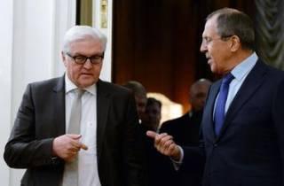 Лавров в очередной раз навешал немецкому коллеге лапшу о том, что российских военных на Донбассе нет