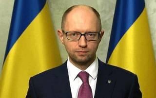 Яценюк уверяет, что Украина существенно сократила и валовой внешний долг, и госдолг