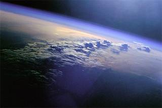 Астрономы признались, что найти инопланетную жизнь им очень мешают облака