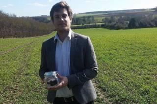 Предприимчивый парень из Британии выставил на eBay банку с «совершенно чистым и неиспользованным воздухом»