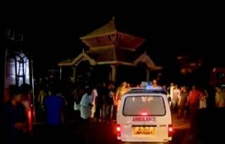 Крупный пожар произошел в индийском храме. Погибли более 100 человек, ранены более 200