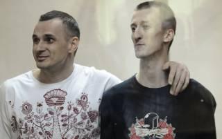 Омбудсмен РФ официально подтвердила украинское гражданство Сенцова и Кольченко