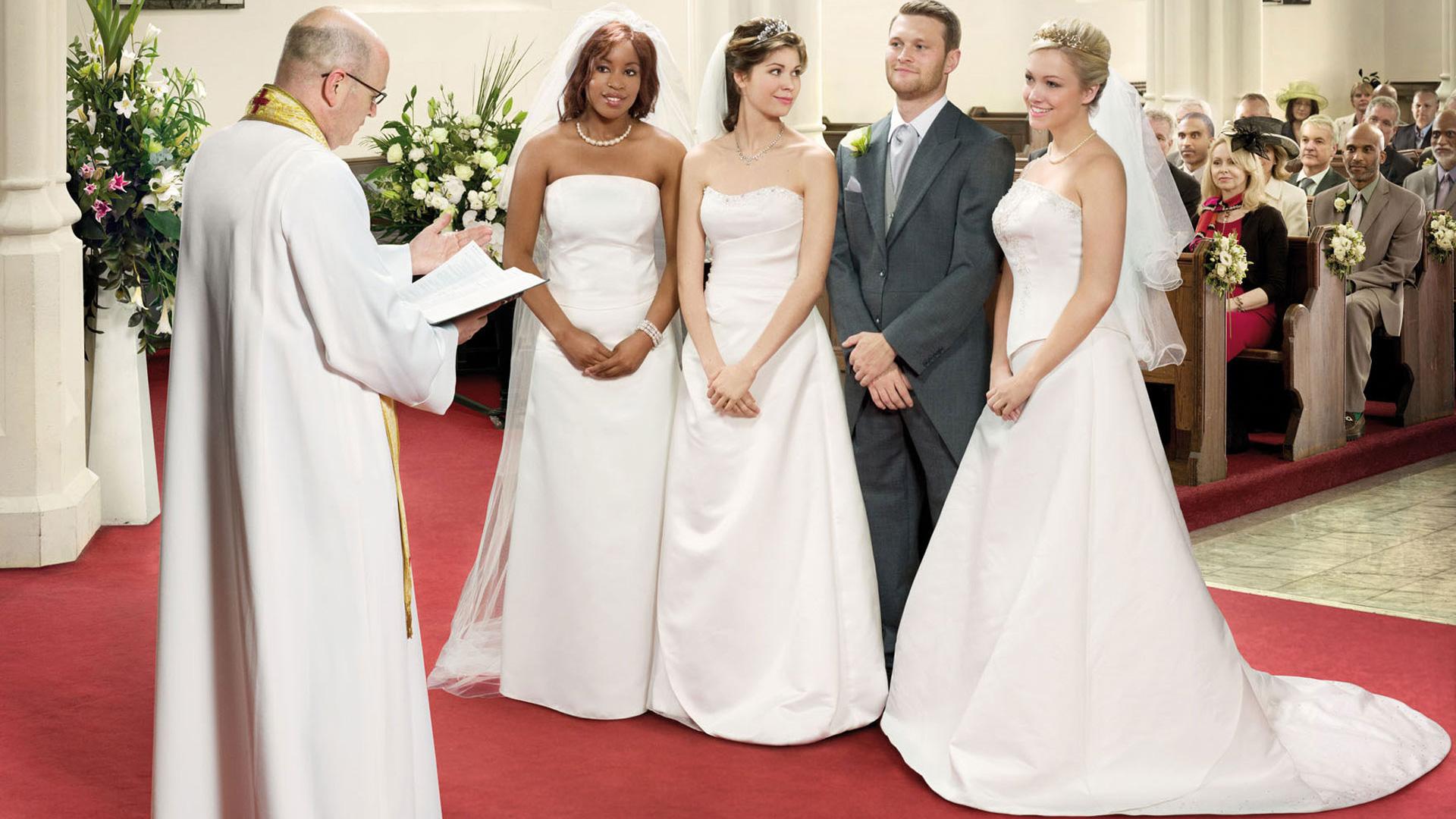 Три девицы и один мужик 13 фотография
