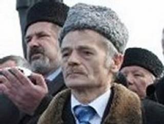 Российские оккупанты проводят обыски у крымских татар