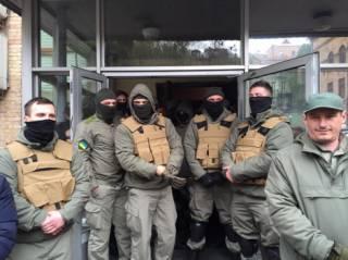 В ходе столкновения у Киевсовета были избиты депутаты. Задержаны около полусотни человек